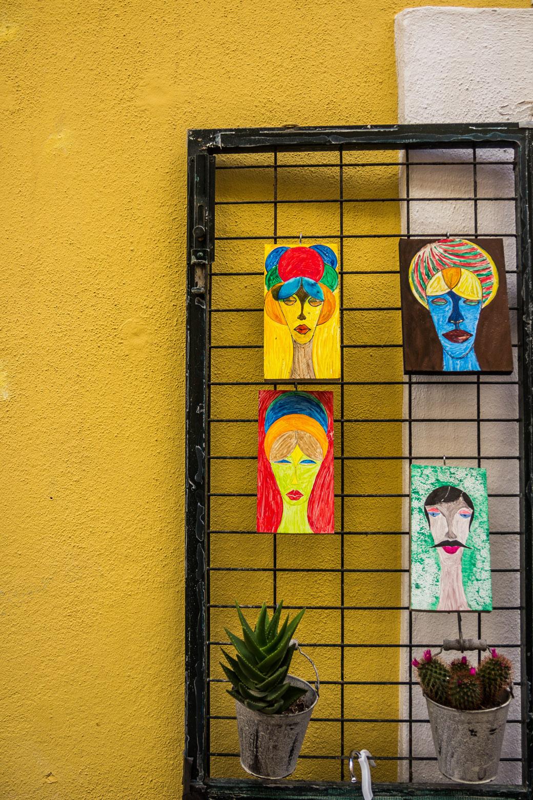 Kunst in den Straßen von Ciutadella Menorca